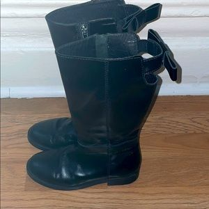 Girl Zara's leather boots